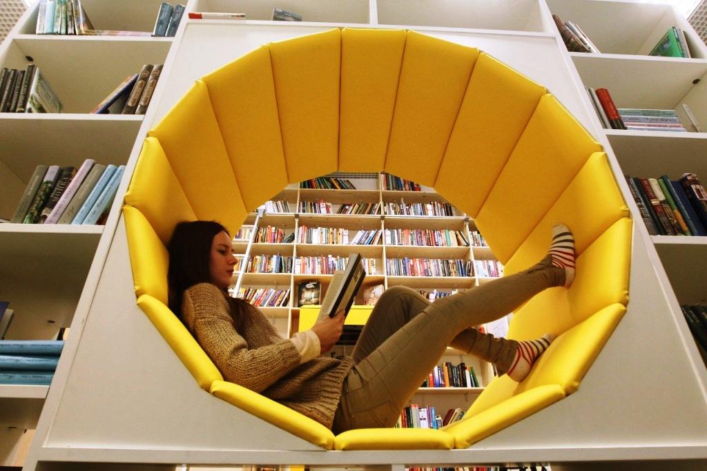 кресла-библиотека, поделки для дачи мебель своими руками