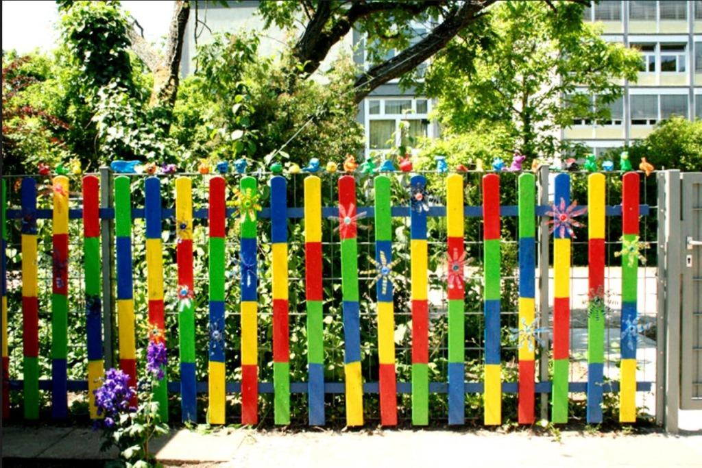 деревянные заборы, как покрасить забор, красивые заборы для дачи